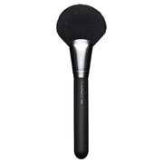 #140 Synthetic Full Fan Brush / M・A・C