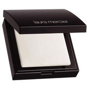 Secret Brightening Setting Powder for Under Eyes / LAURA MERCIER